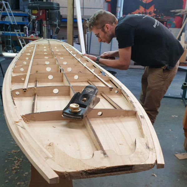 build youre own board, shaping, wooden surfboard
